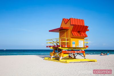 Red lifeguard cabin on South beach, Miami, USA