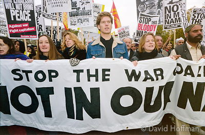 01111904-3 Peace march, London.19 Nov 2001