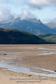 Image - Ben Loyal and the Kyle of Tongue, Sutherland, Tide out