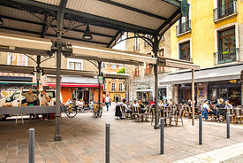 Grenoble_place_aux_herbes_(2)