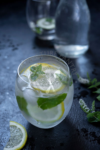 Lemon Mint Iced Water