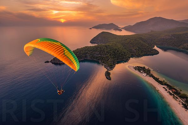 Sunset Flying with Ali Yesil