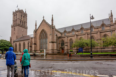 St Andrews Cathedral, Dundee with family in the rain