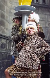 Image - Drag artists, Edinburgh Festival, Scotland