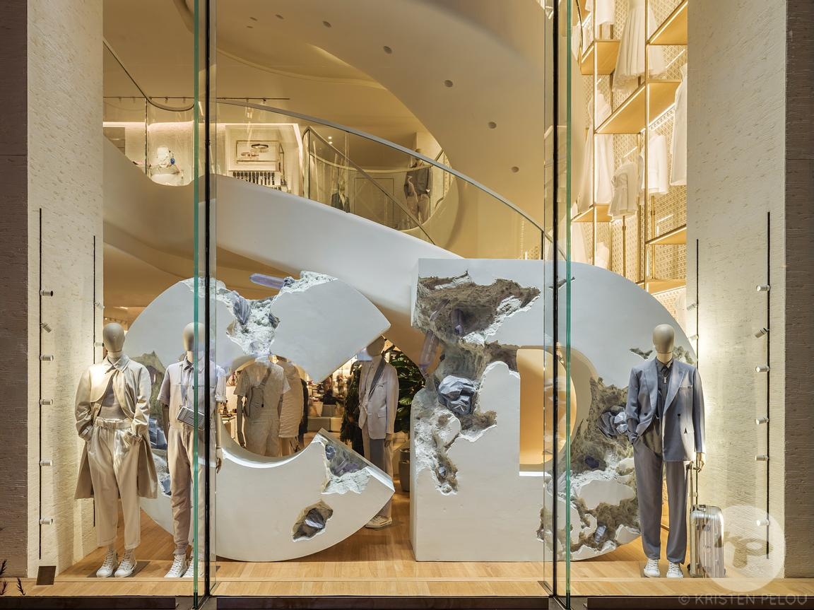 Retail architecture photographer - Dior flagship store, Champs Elysées Paris, France. Photo ©Kristen Pelou