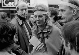 #70418,  Vanessa Redgrave (holding the letter to the US Ambassador) leading the anti-Vietnam war demonstration march from Tra...