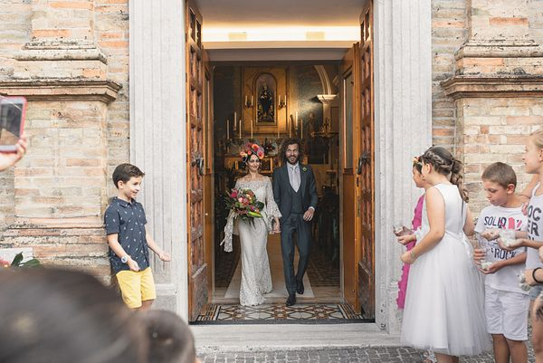 066-simone-martina-hawaiian-wedding-villa-anitori-marche
