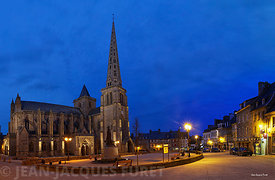 Treguier-La Cathedrale et la place du Martray-2014-02-23