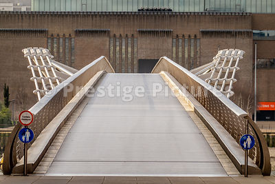 Empty Millennium Bridge during the Corona Virus outbreak