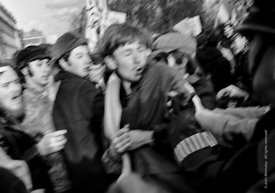 #70452,  Police and protestors clash in Grosvenor Square.  Anti-Vietnam war demonstration march from Trafalgar Sq to Grosveno...