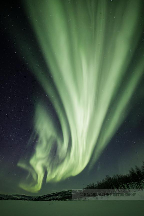 Strong northern lights in Lapland