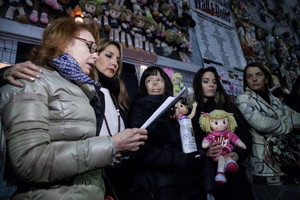 A poem was read during the evening; next to the reader Jo Squillo, Valentina Pitzalis. On the right Milan city councillor Chi...