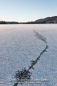 Image - Crack in the ice covered Lake of Menteith