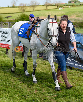 Race 4 - Veteran Horses - The Melton Hunt Club at Garthorpe