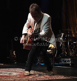 Kiefer Sutherland performs in Glasgow