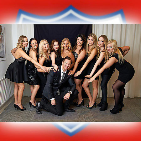 behind-the-scenes-peter-sebastian-with-hifk-big-red-cats-cheerleaders-team