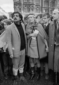 #70428,  Tariq Ali and Vanessa Redgrave (holding the letter to the US Ambassador) lead the march, anti-Vietnam war demonstrat...