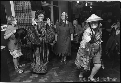 C82-11 Christmas party. Old people's clubs in Whitechapel and Shoreditch, 1974 & 1975.