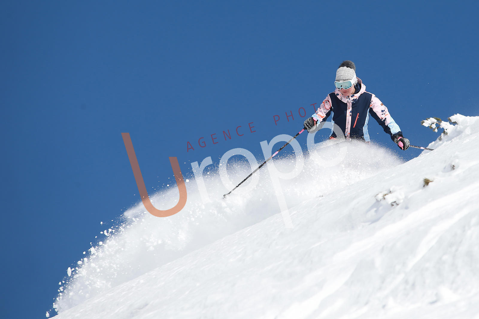Photo de ski sur piste avec figurants