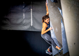 QUALIF_WOMEN_BOULDER_WOMEN_AgenceKros_RemiFabregue-23