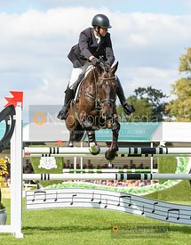 David Doel and SHANNONDALE QUEST - Show jumping and prizes - Land Rover Burghley Horse Trials 2019