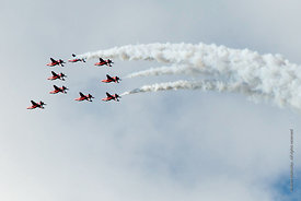 #052356,  RAF's Red Arrows display team at the Farnborough International Airshow.  2009.