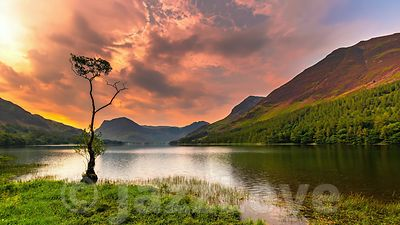 Sunrise over Buttermere lake.
