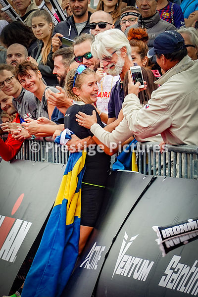 Sara Svensk crying  after finishing in 1st position for women athletes