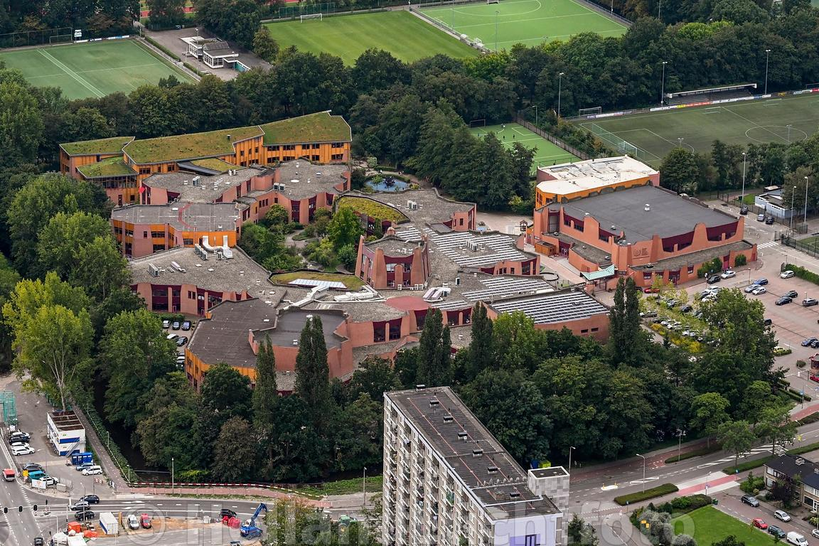 Luchtfoto Amstelveen Internationale School van Amsterdam
