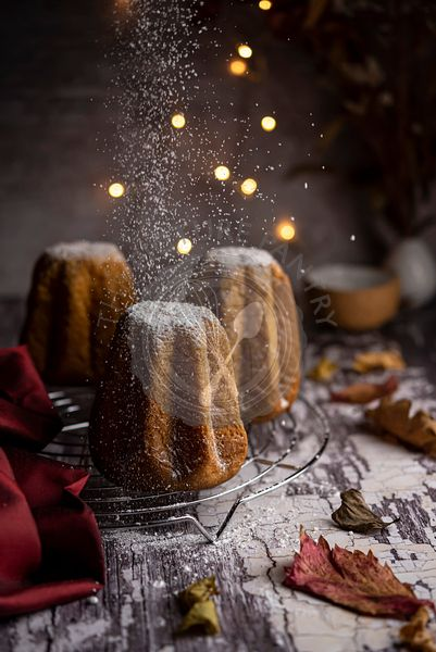 Pandoro with dusting of powdered sugar