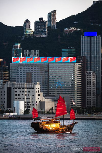 Traditional chinese sailboat, Hong Kong harbour, China