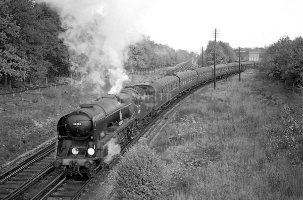 Steam loco BB 34089 Effingham Junction
