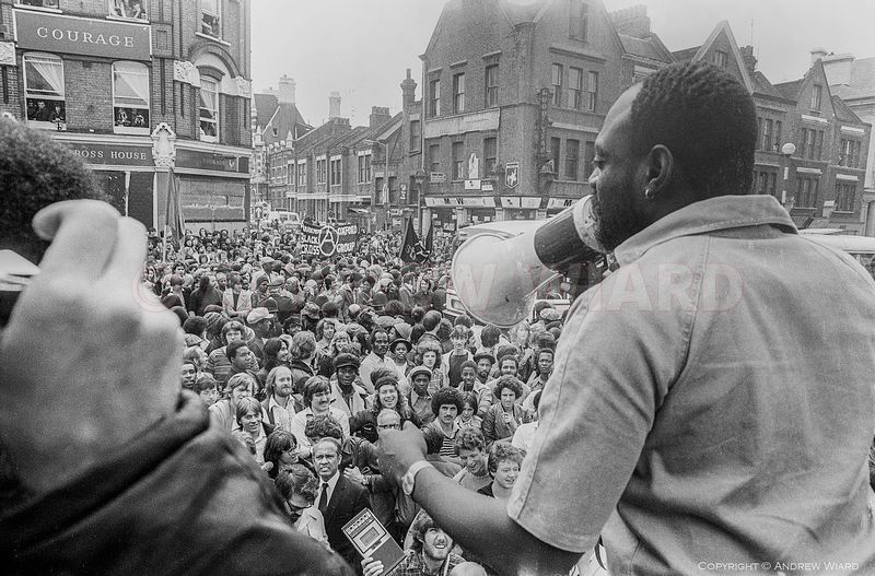 England, UK . 13.8.1977. London . Lewisham. The Battle of Lewisham. After anti-fascist counter-demonstration confronts a Nati...