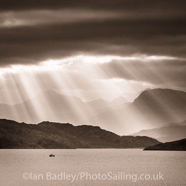 Fishing boat leaves Torridon