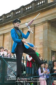 Image - Edinburgh Festival, tightrope walker, Scotland