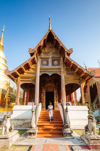 Woman at Wat Phra Singh temple, Chiang Mai, Thailand