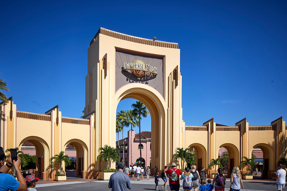 Universal Parks & Resorts enterance
