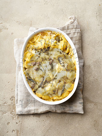 Baked pasta with sage, sausage and cheddar