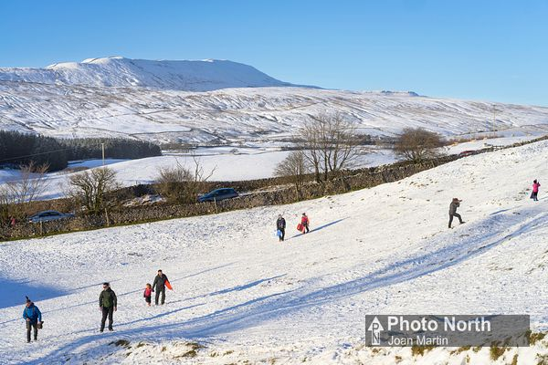 CHAPEL-LE-DALE 22A - Whernside and winter fun at Southerscales