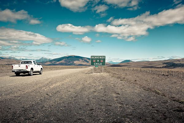 Bienvenido, Crossing Border Between - Argentina & Chile 2012