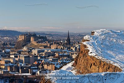 Image - View over Salisbury Crags and Edinburgh Castle, Scotland