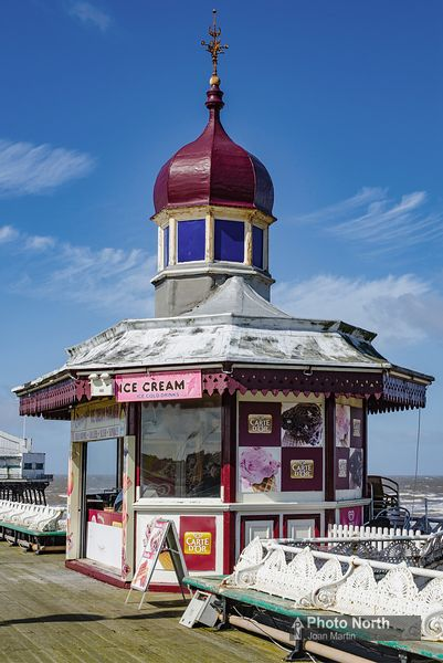 BLACKPOOL 13A - Victorian kiosk on North Pier