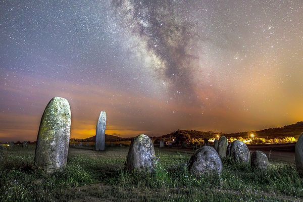 Galactic center above megalithic monument of Xerez