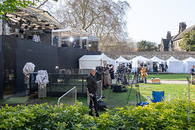 #124679  Media services set up their 'studios' on College Green opposite the Palace of Westminster.  Brexiteers (in favour of...