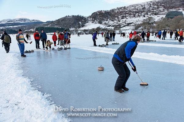 Image - Curling match, Lake of Menteith, Stirling
