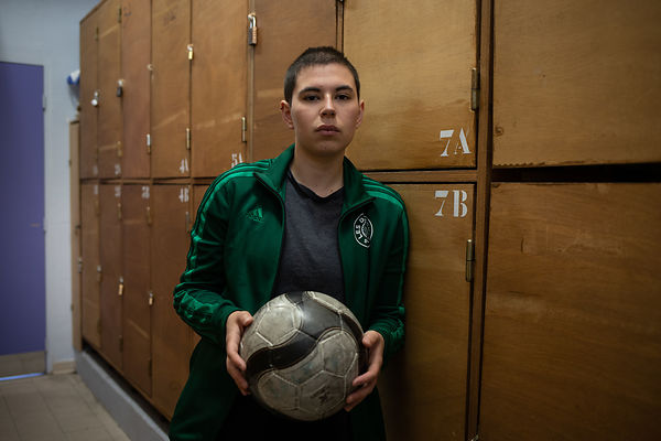 FRA - LES DEGOMMEUSES - A FEMINIST FOOTBALL TEAM FIGHTING AGAINST DISCRIMINATION