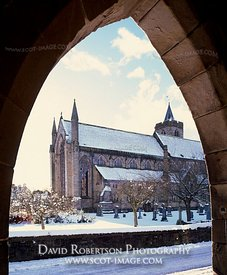 Image - Dunblane Cathedral, Winter, snow