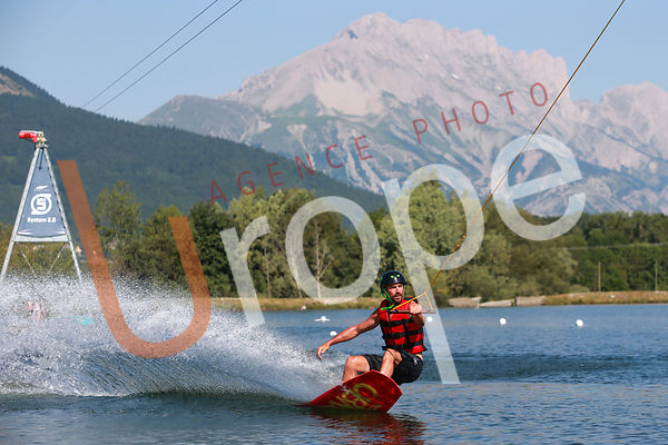 PHOTOS DE  WAKEBOARD / SKI NAUTIQUE