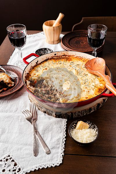 Shepherd's pie dinner with wine