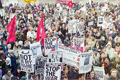 01111902-34 Peace march, London.19 Nov 2001